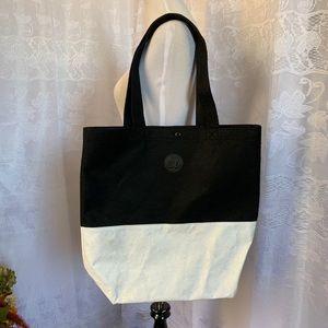 LULULEMON black & white Felt Tyvek Reusable Bag